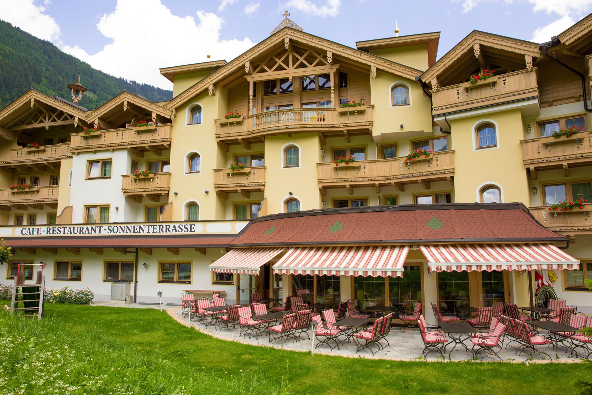 Hotel APART TUXERTAL - 3 HRS star hotel in Finkenberg
