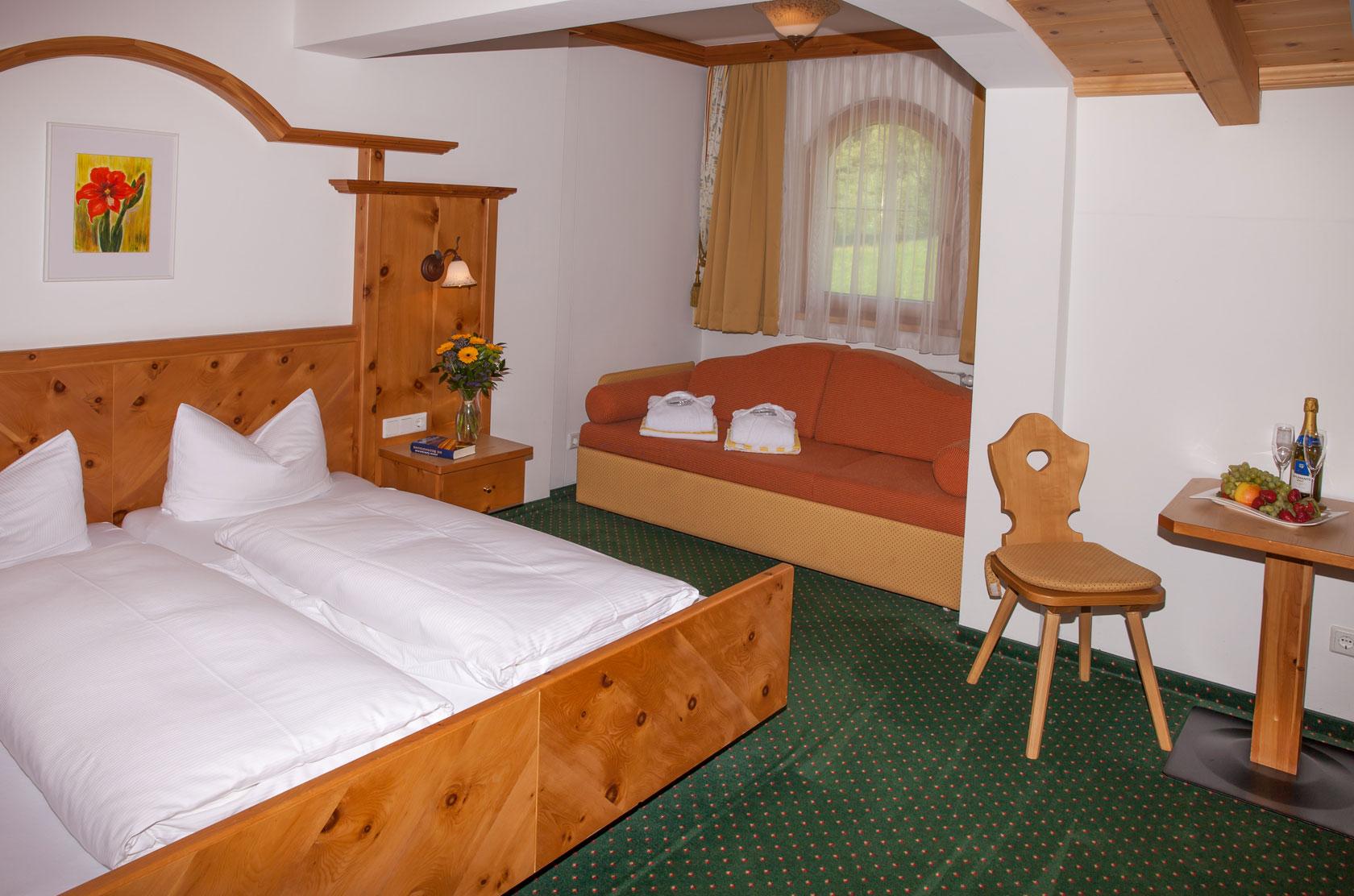 Hotelzimmer für zwei Personen in der Kategorie Zirbe