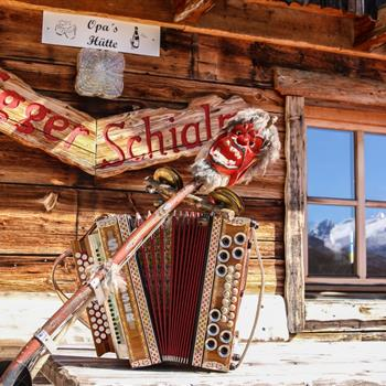 Exterior view of the skiing hut with styrian accordion