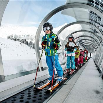 Kids' skiiing course on the conveyor